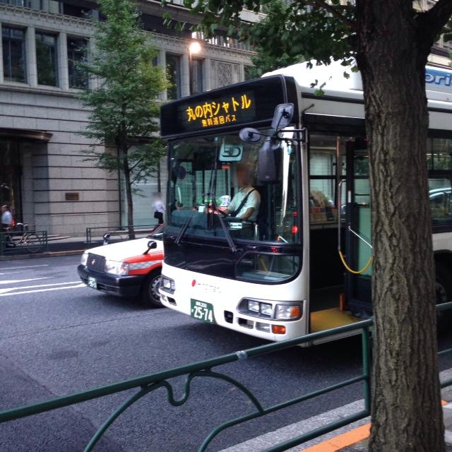 東京駅周辺の移動は「丸の内シャトルバス」にお任せ!タダで乗れます